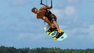 Read more about the article Top 8 Beginner Kiteboarding Questions!